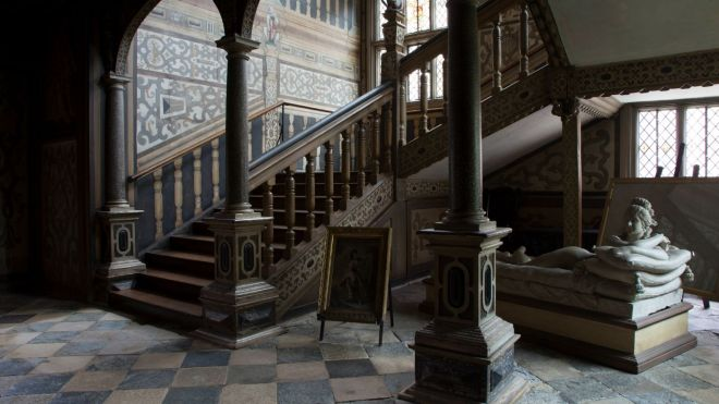 staircase knole.jpg